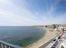 Seafront 2 bedroom with fantastic views