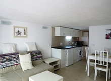 Studio Apartment in Fuengirola Town 2 minutes walk to the Marina