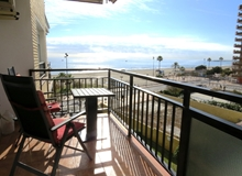 Los Boliches, Beachfront 1 bedroom apartment in Ronda 2,  Fuengirola, with pool.