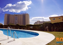 Luxury 2 bed Apartment with Pool, 2 minutes from beaches of Torreblanca, Fuengirola!