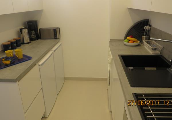 212 Kitchen 2