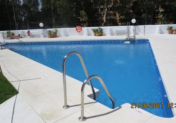 212 Swimming Pool 2
