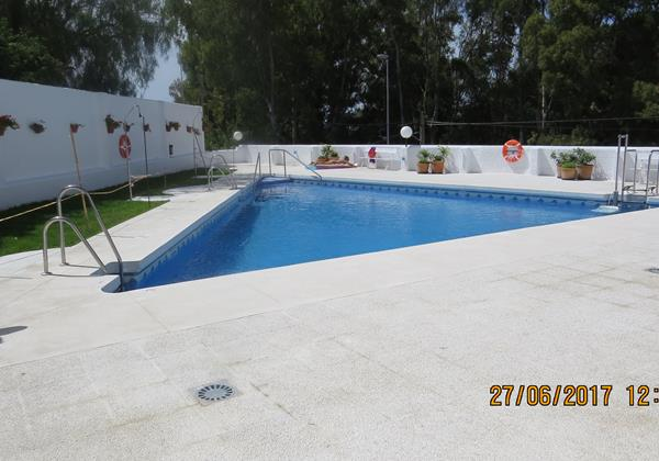 212 Swimming Pool